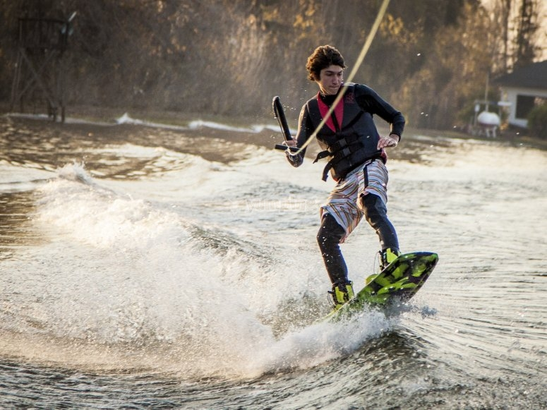 Wakeboarding session a El Burguillo