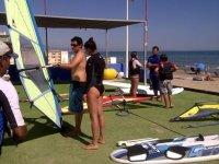 Alquila material de windsurf