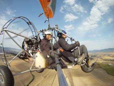 Volo in tandem in paramotore trike 30 min + video