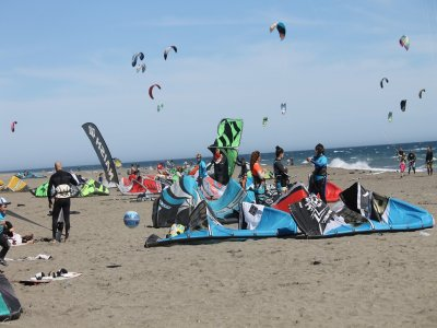 2 Days-8h Kitesurfing Course in Torremolinos