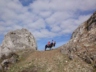 Ruta a caballo en el Valle de Lastur 1 hora