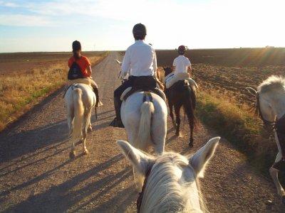 Itinerario a cavallo verso il villaggio di La Granja. 3 h