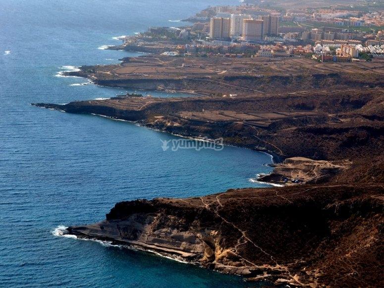 Costa canaria vista desde el helicóptero
