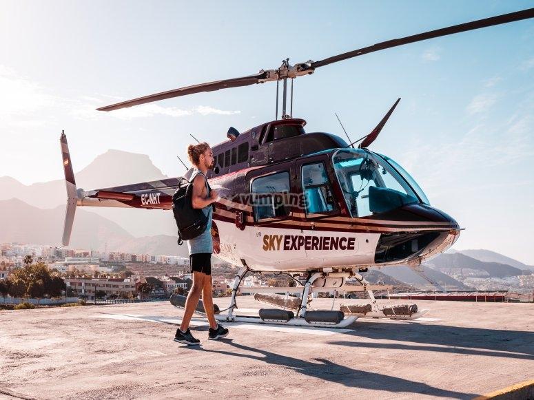 Embarcando en el helicóptero