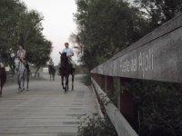 Cruzando el puente del Ajoli