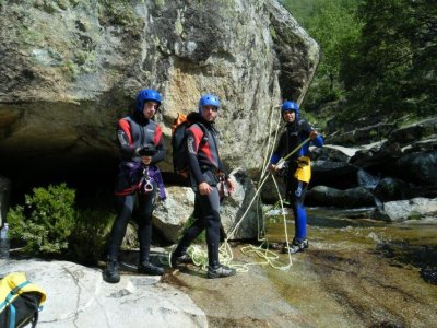 Canyoning descent in Solana, low difficulty