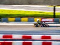 Kart corriendo en el circuito de Zuera