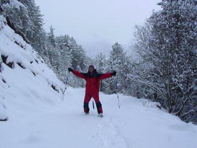 穿上雪鞋到Puigllaçada。 4小时