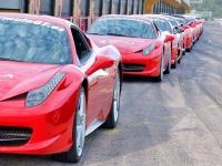 Dos vueltas al circuito en Ferrari