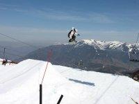 -999做好与滑雪跳跃跳跃 - 完美的滑雪轨道