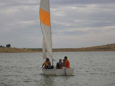 1h sailing dinghy rental in Extremadura