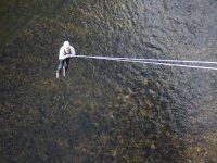 Puenting sobre el río