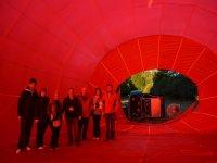 En el globo mientras se infla