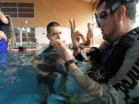 Bautismo de buceo en piscina en Madrid
