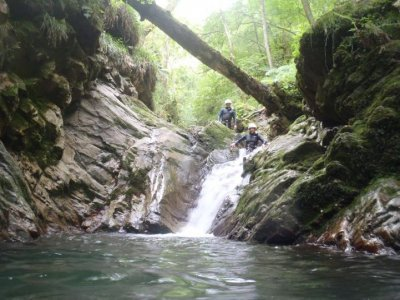Speleocanyoning in caves of Sella River