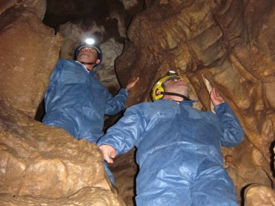 Spelunking in caves in Asturias 2 Hours