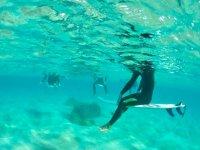 Rilassati nelle acque cristalline