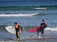 Clase de surf de 2 horas en playa Luaña, Cobreces