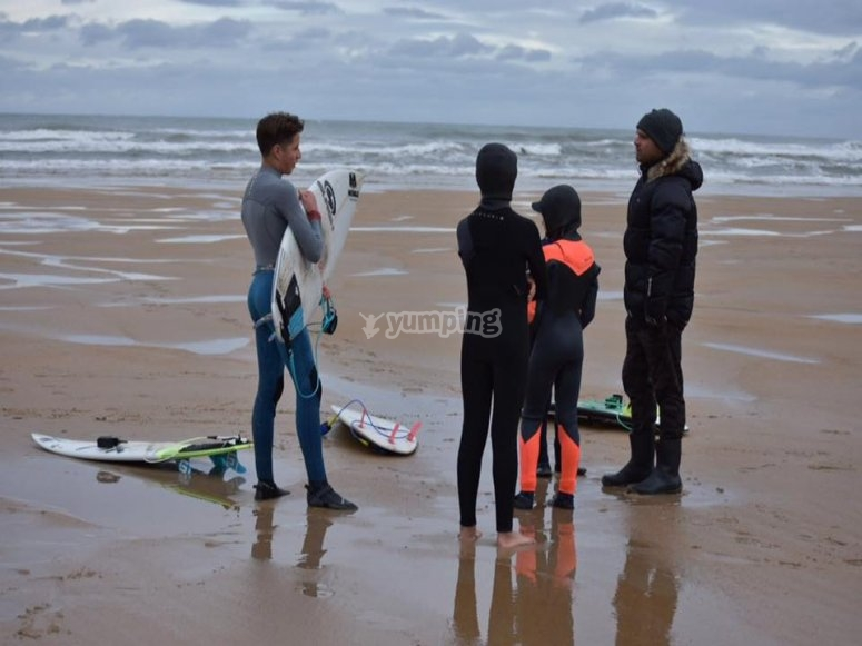 First waves in the surfing course