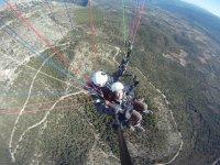 记录滑翔伞从