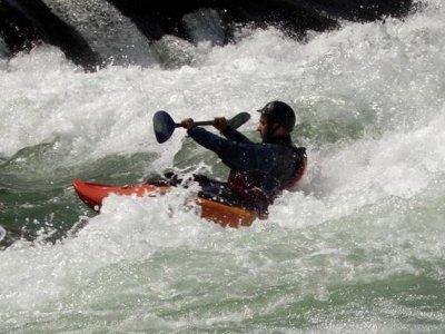 Kayak en el río Guadazaón, media jornada