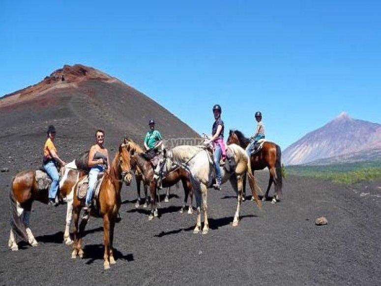 ruta a caballo volcán negro