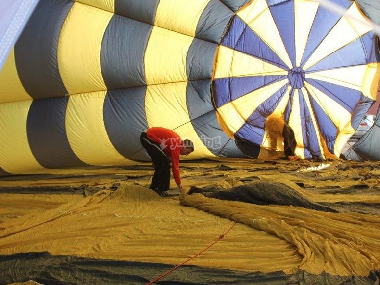 Preparing the hot air balloon