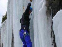 Por paredes y cascadas de hielo