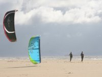 Practica el kitesurf en playas desiertas