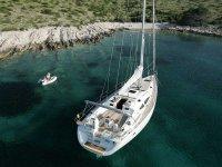 Barco en cala de Mallorca
