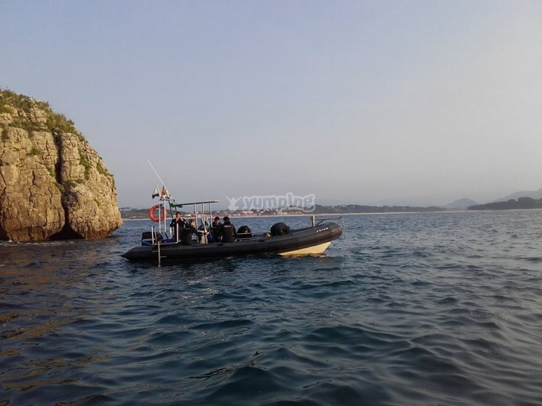 Gita in barca sulla costa della Cantabria