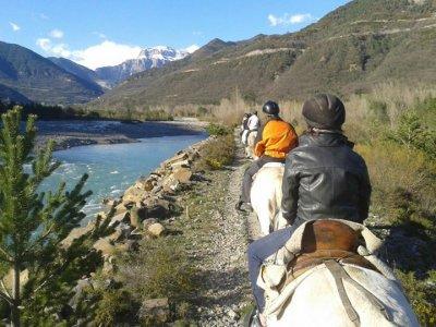 Ruta a caballo en Sarvisé durante 1 hora