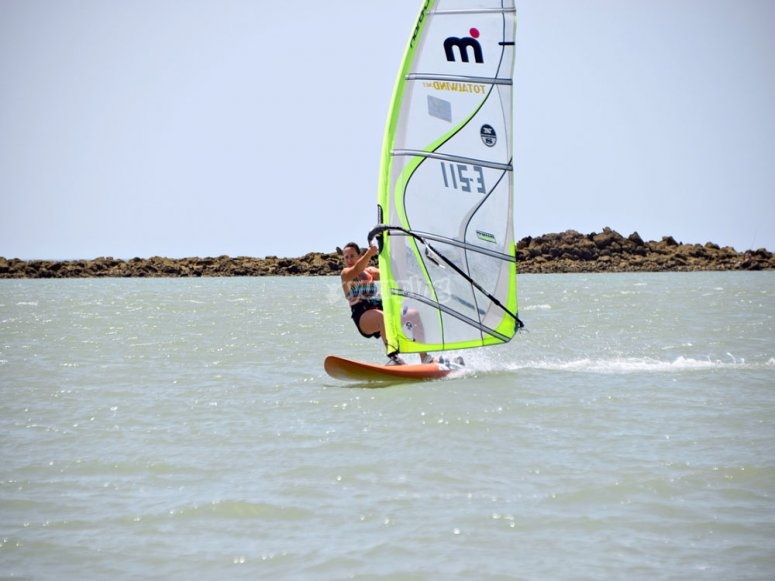 Curso de windsurf en Sancti Petri