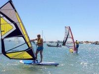 Curso de iniciación de windsurf Sancti Petri 3h