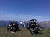 Buggy con los Pirineos al fondo