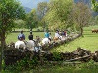 saliendo en la ruta a caballo en huesca