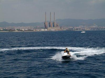 Moto acuática 30min y banana boat 10min Barcelona