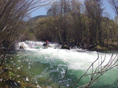 划独木舟的白水Alto Tajo自然公园