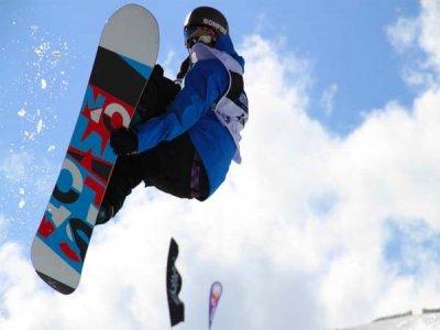 Clases colectivas de snowboard 2 horas