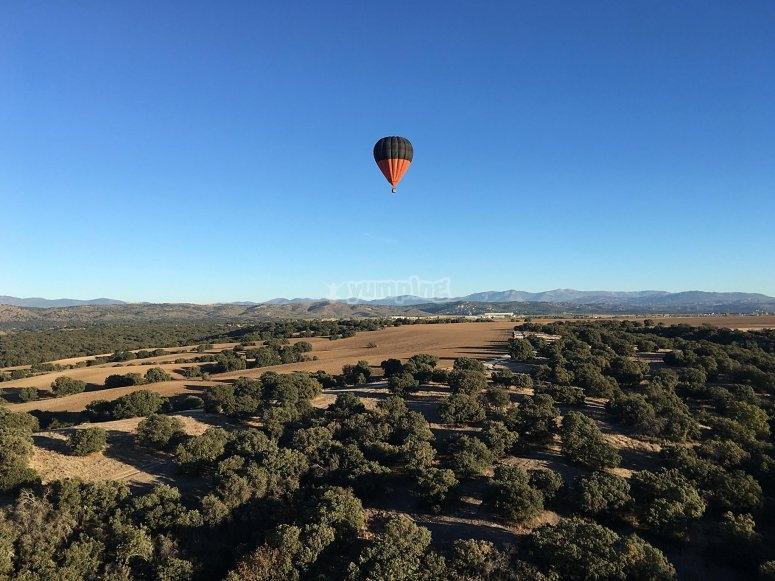 Balloon over the sites of Villanueva