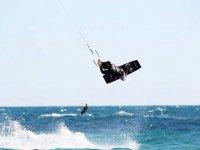 Practicar kitesurf en Valencia