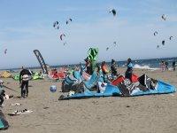 在塔里法复活节提供洗礼风筝冲浪