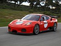 Nada como conducir un Ferrari