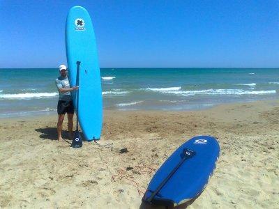 Guardamar 5 小时凭单桨冲浪设备租赁