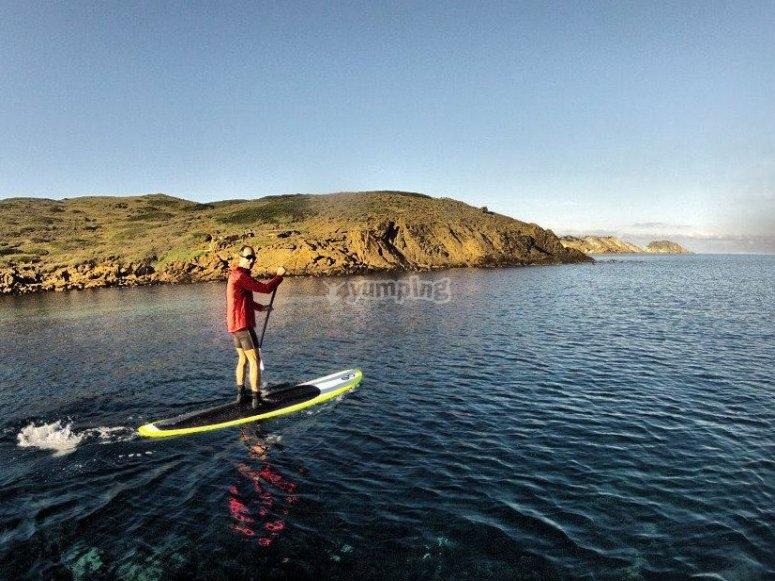Practica paddle surf en Menorca