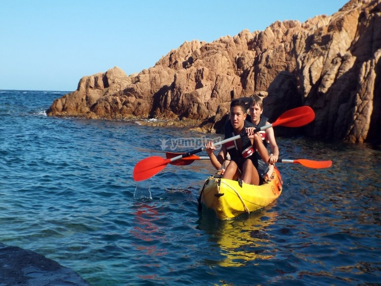 Tour en kayak por bahía de s'Agaró