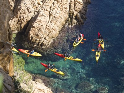 Kayaking and snorkeling tour in Costa Brava