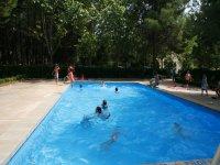 农场学校游泳池阿塔拉亚