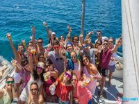 Fiesta en barco en Ibiza con discoteca