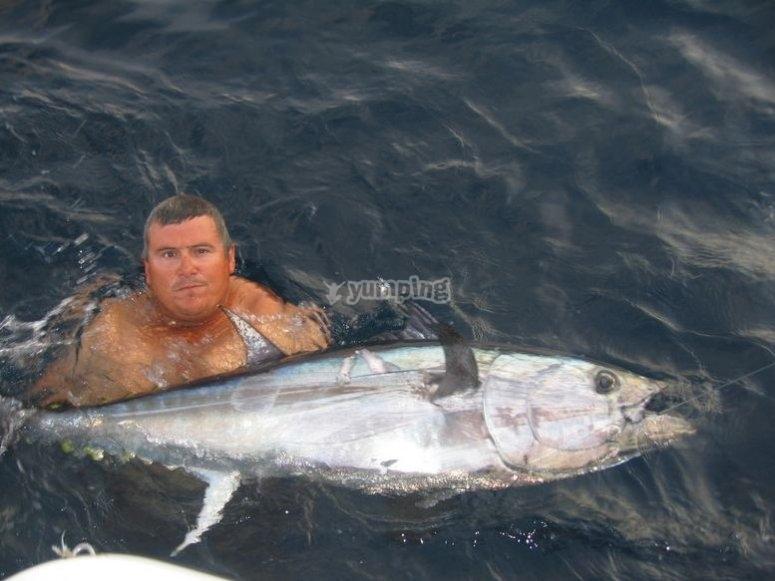 钓鱼llobarrete